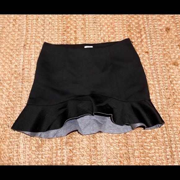 Tobi Dresses & Skirts - Black scuba skirt